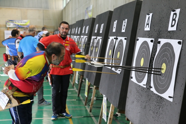V trofeo arqueros de valdemoro solidario for Piscina valdesanchuela