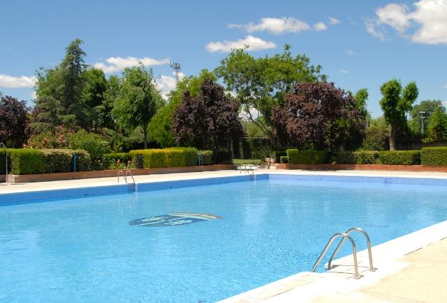 La piscina municipal de verano ampl a el horario de tarde a precios reducidos la revista de - Piscina de valdemoro ...